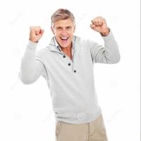 homem-maduro-feliz-excitado-isolado-8814453